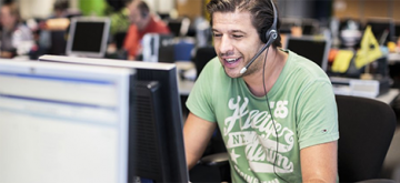 man in callcenter